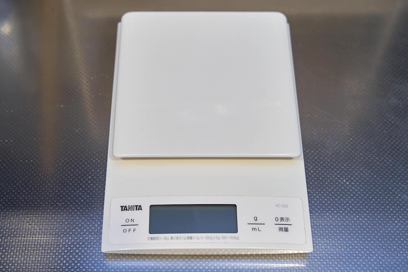 タニタ デジタルクッキングスケール KD-320-WH